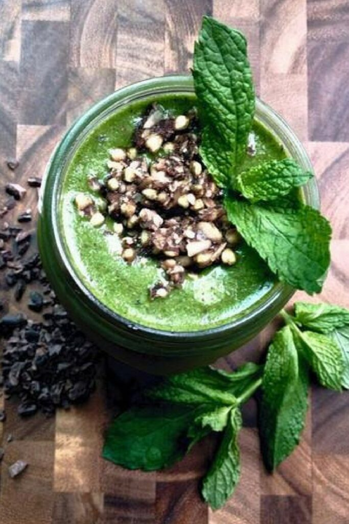 sakara mint chip smoothie